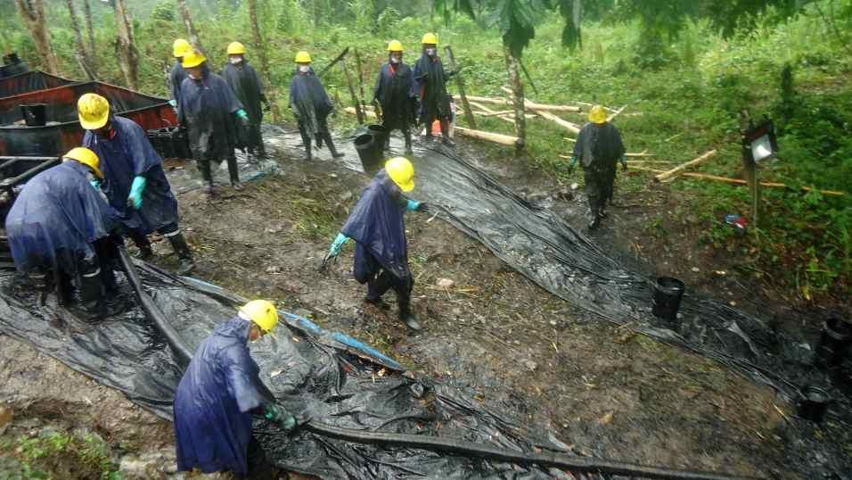 En fotos: los derrames petroleros que amenazan a la Amazonía peruana