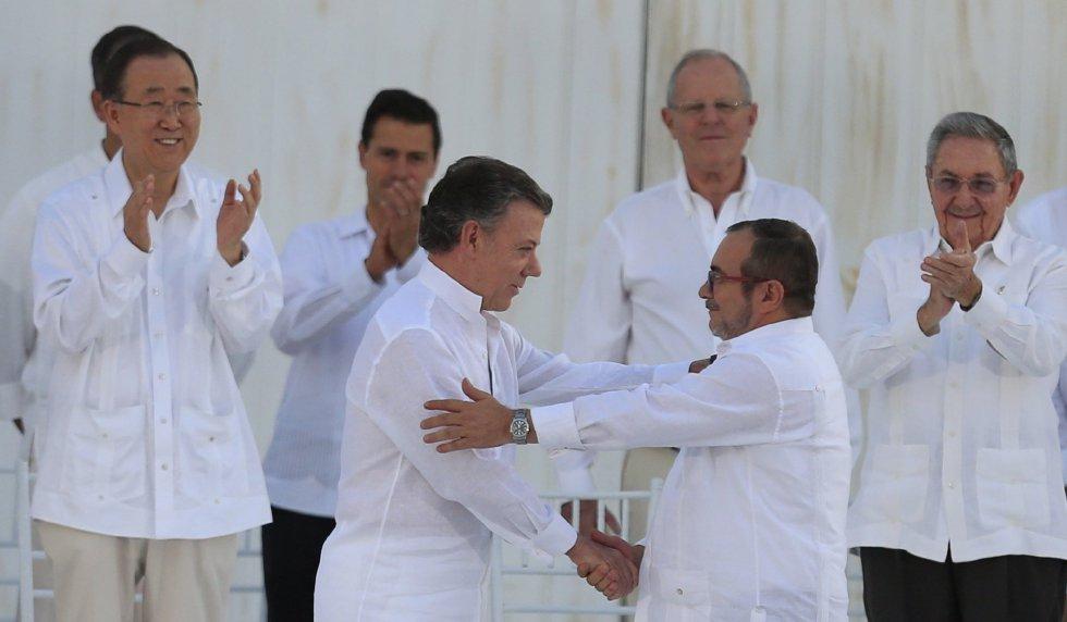 ESPECIAL: Acuerdo de paz se traduce a 62 lenguas indígenas en Colombia