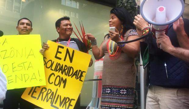 Indígenas brasileños denuncian en Nueva York «tragedia» del gobierno Bolsonaro