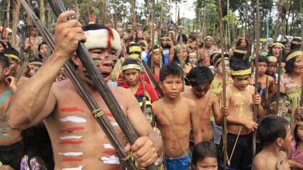 Trabajadores de petrolera siguen retenidos en comunidad nativa