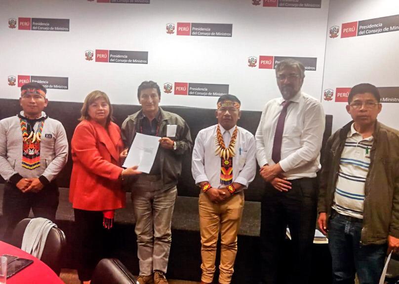 Ministra de Salud entrega informe final de estudio sobre metales pesados a dirigentes indígenas de Loreto y se compromete a implementar un plan de atención