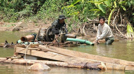 El mercurio daña la salud y el comercio de nativos amazónicos en Perú