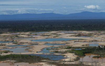 Minería ilegal y extracción de hidrocarburos son las principales amenazas de la Amazonía