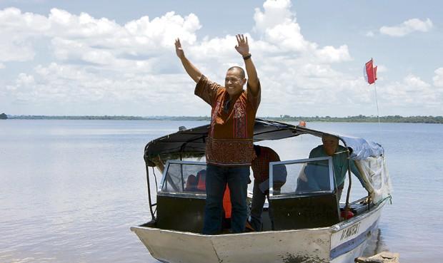 Miguel Hilario, el shipibo que volvió a su comunidad como candidato a Palacio