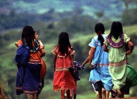 25 años destruyendo derechos de reconocimiento y titulación territorial indígena