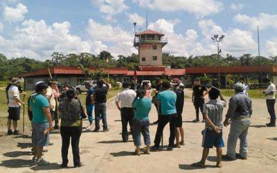 Nativos mantienen toma de helipuerto de Andoas por tercer día