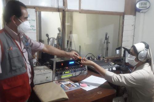 Misioneras logran que Aprendo en Casa se escuche por radio en 43 comunidades de Purús (Ucayali)