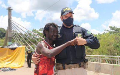 Frontera Perú-Brasil: Migrantes se retiran pacíficamente del puente tres semanas después
