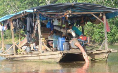 Minería en Loreto: Dragas ilegales vuelven a amenazar el río Nanay