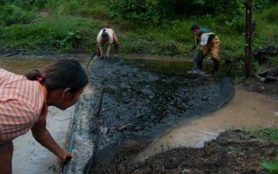 Bancos que financian industria petrolera y gasífera en la Amazonía reprueban evaluación que mide compromisos