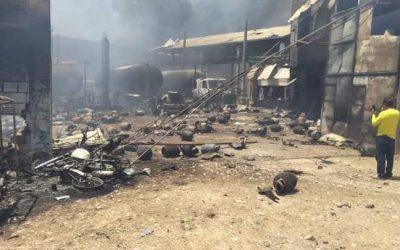 Pucallpa: Gran incendio en planta envasadora de gas causa pánico entre la población