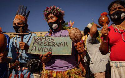 """Conselho Indigenista Missionário (CIMI) desmiente a Bolsonaro: """"Su verdadera intención es que los indígenas entreguen sus tierras"""""""